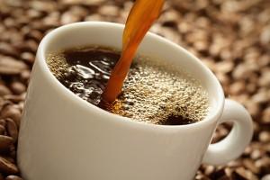 水的品質跟咖啡濾紙都會影響煮咖啡的風味